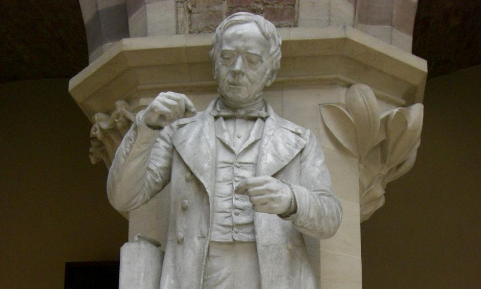 Ørsted_statue_Oxford_University_Museum